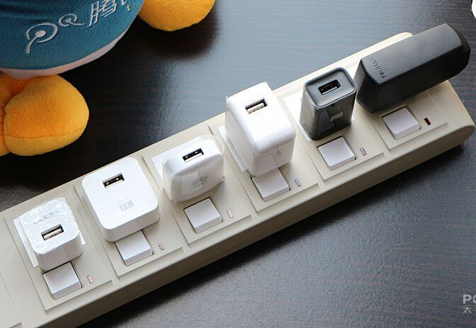 例如充电器中的控制电路,主要是感应手机是否连接到充电器上,在充电器